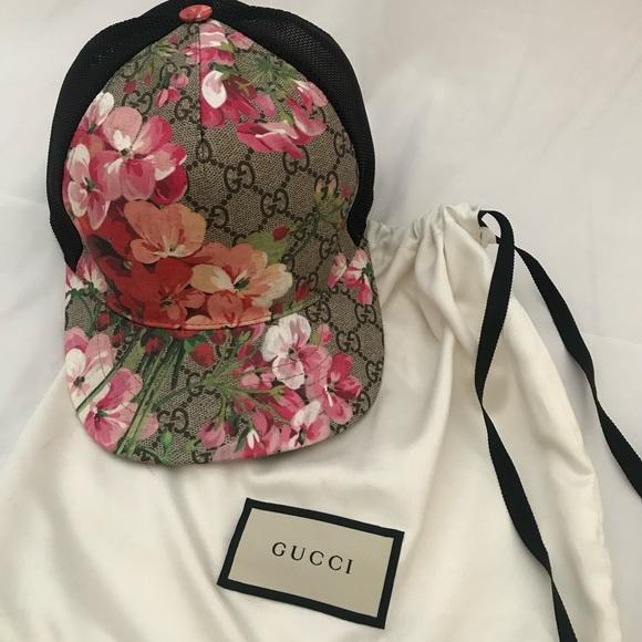 44a8de6e567 Gucci Accessories - Gucci GG Blooms Baseball Hat